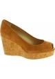 Stuart Weitzman Zapatos de cuñas altas para mujeres en ante beige