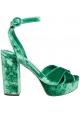 Sandalias Dolce & Gabbana con plataforma en terciopelo verde.