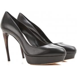 Alexander McQueen peep toes en cuero negro cCalf