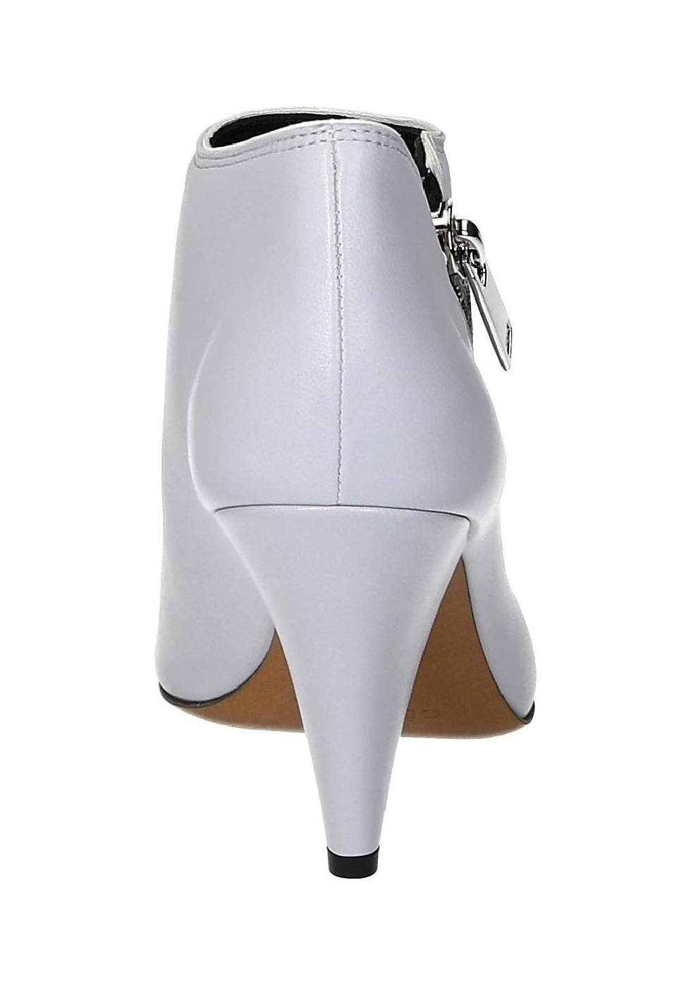 3bfe8ec5e Botines Céline curados en cuero suave gris claro - Italian Boutique