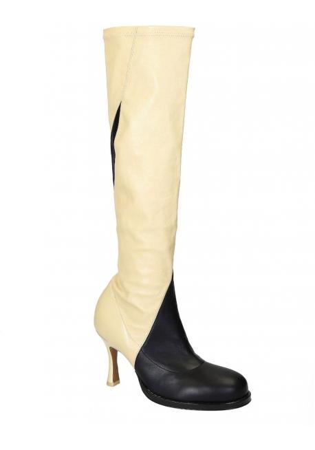 733f18bf5 Botas altas con cordones Céline en cuero suave negro   blanco ...