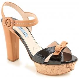 Sandalias con plataforma Prada en cuero negro y cuero