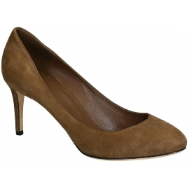 Zapato de corte Gucci en piel de ante marrón medio.