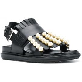 Sandalias bajas marni en piel negra con flecos y perlas.