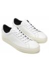 Zapatillas de mujer Common Projects en piel blanca.