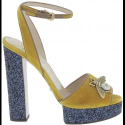 Gucci Sandalias para mujer en piel de becerro amarilla con plataforma azul 0a2a2476d85