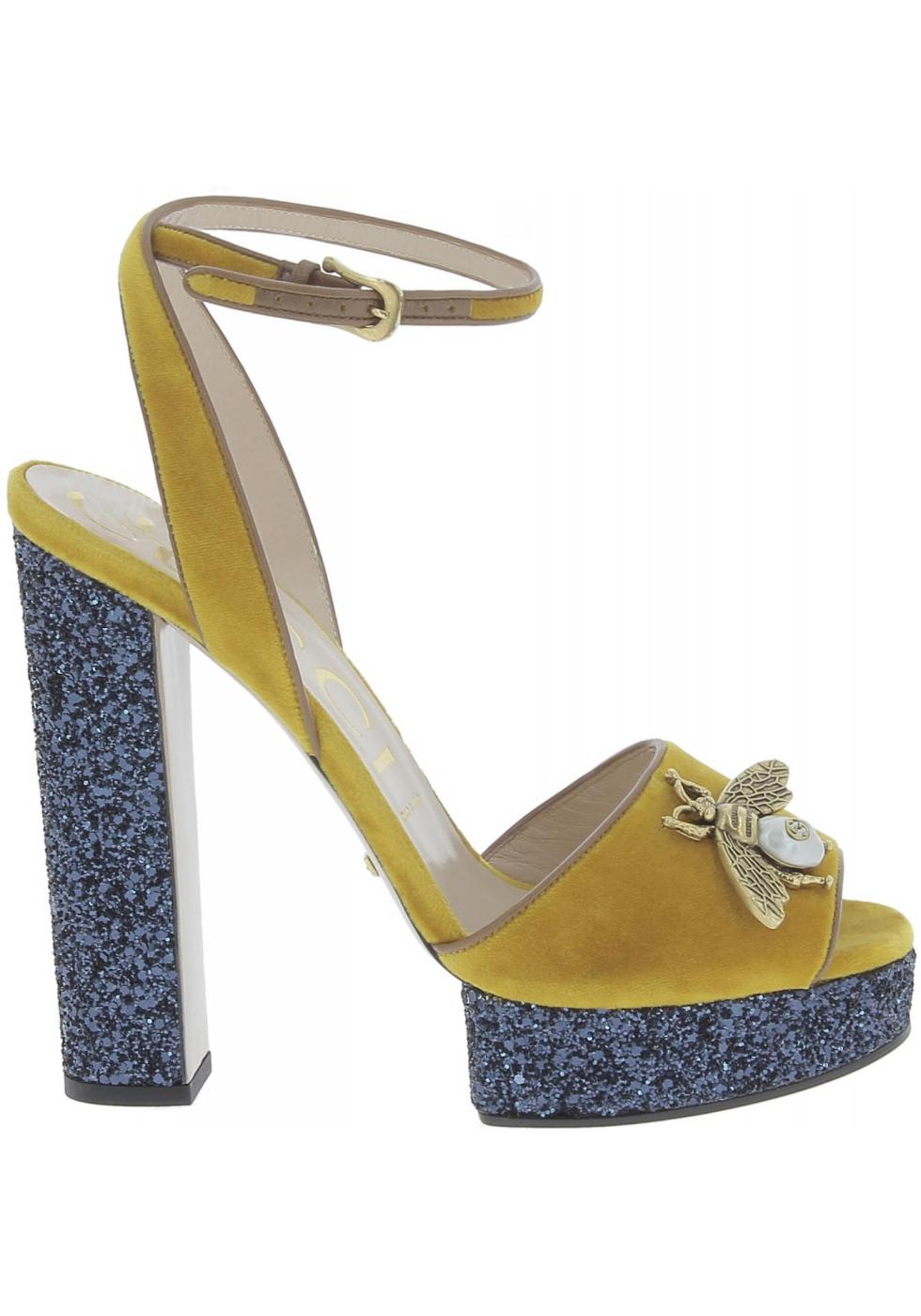 ... Gucci Sandalias para mujer en piel de becerro amarilla con plataforma  azul ... 2ceaf340866