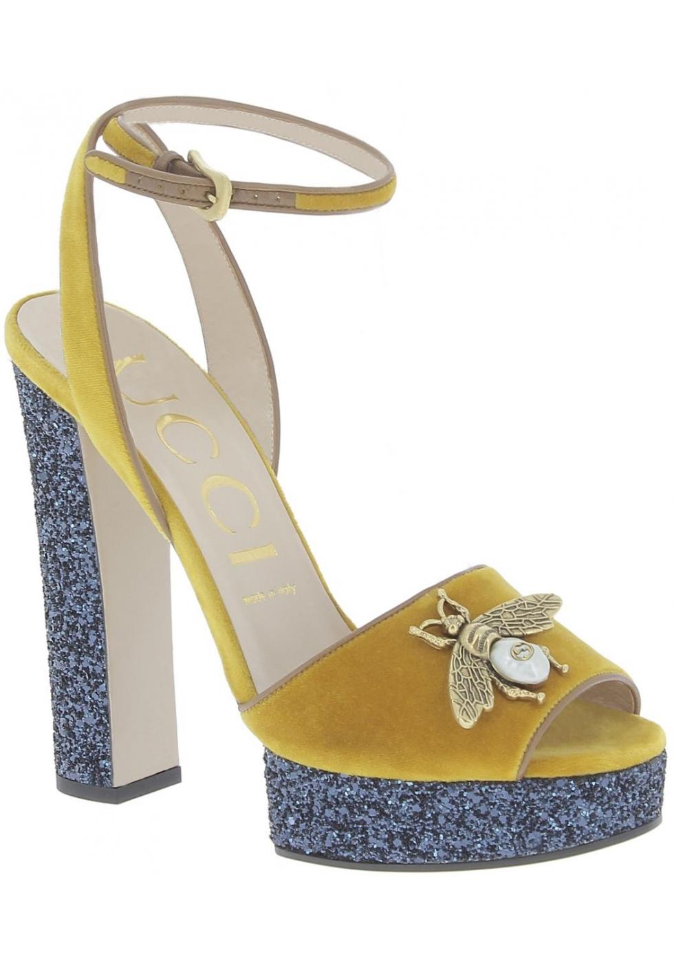 Gucci Sandalias para mujer en piel de becerro amarilla con plataforma azul  ... 1c3d5f3afac